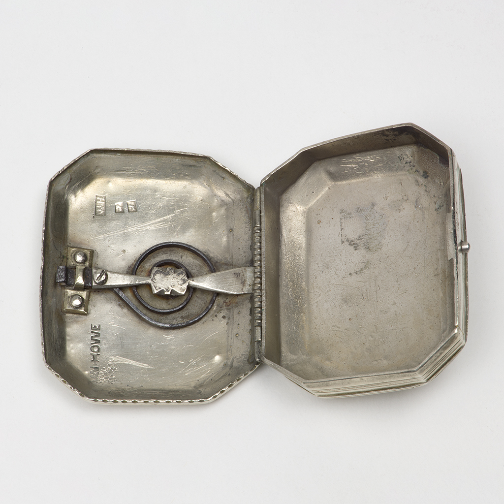 An Early 19th Century Base Metal Trick-opening Snuff Box.