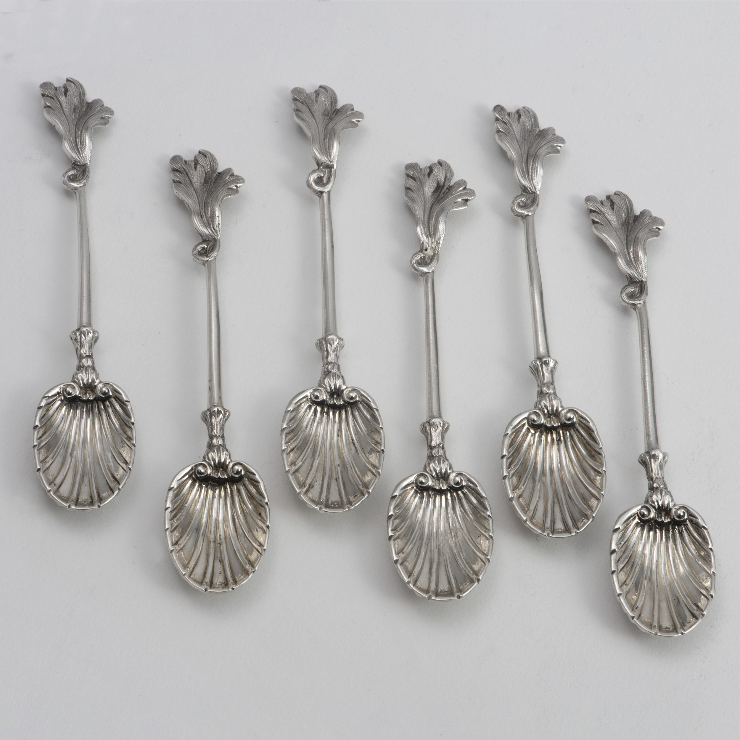 A Pretty Set Of Victorian Silver Coffee Or Tea Spoons.